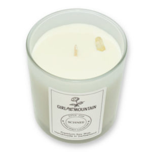 Snow scented candle