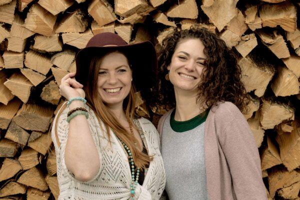 barefoot sisters- Sonja Lauener, Wanda Brunner